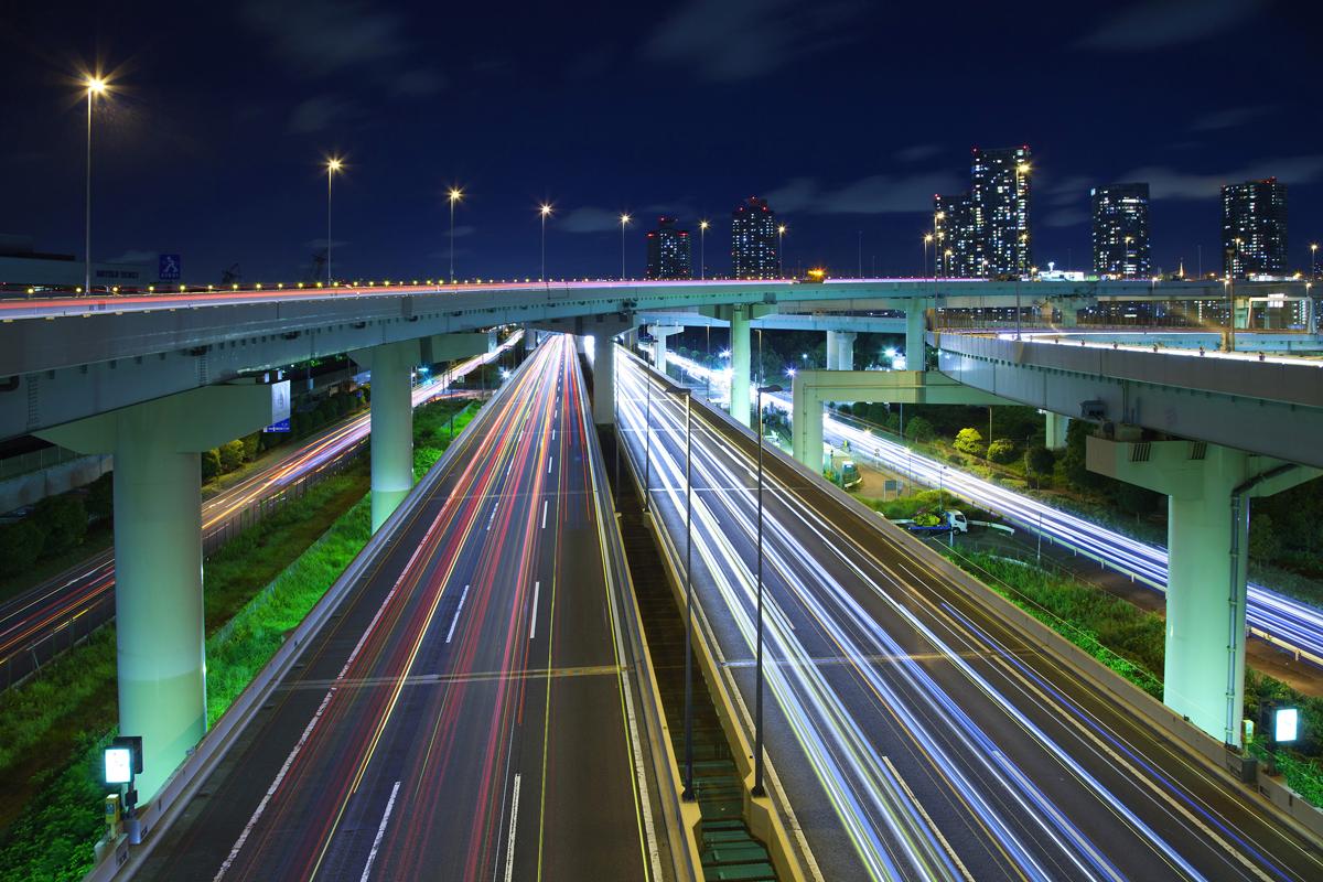 東京の首都高速道路湾岸線の写真