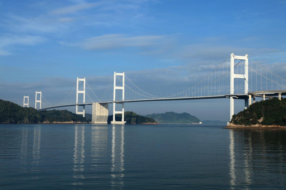愛媛の来島海峡大橋の写真